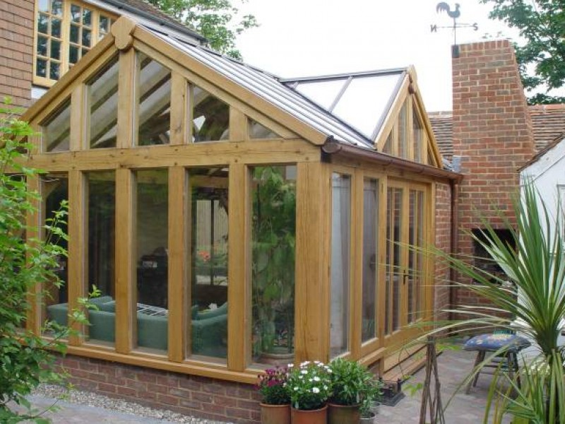 Oak garden buildings kent oak framed extensions and for Oak framed garden room